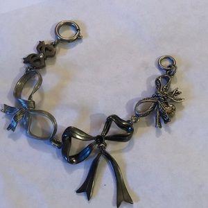 Vintage boa bracelet